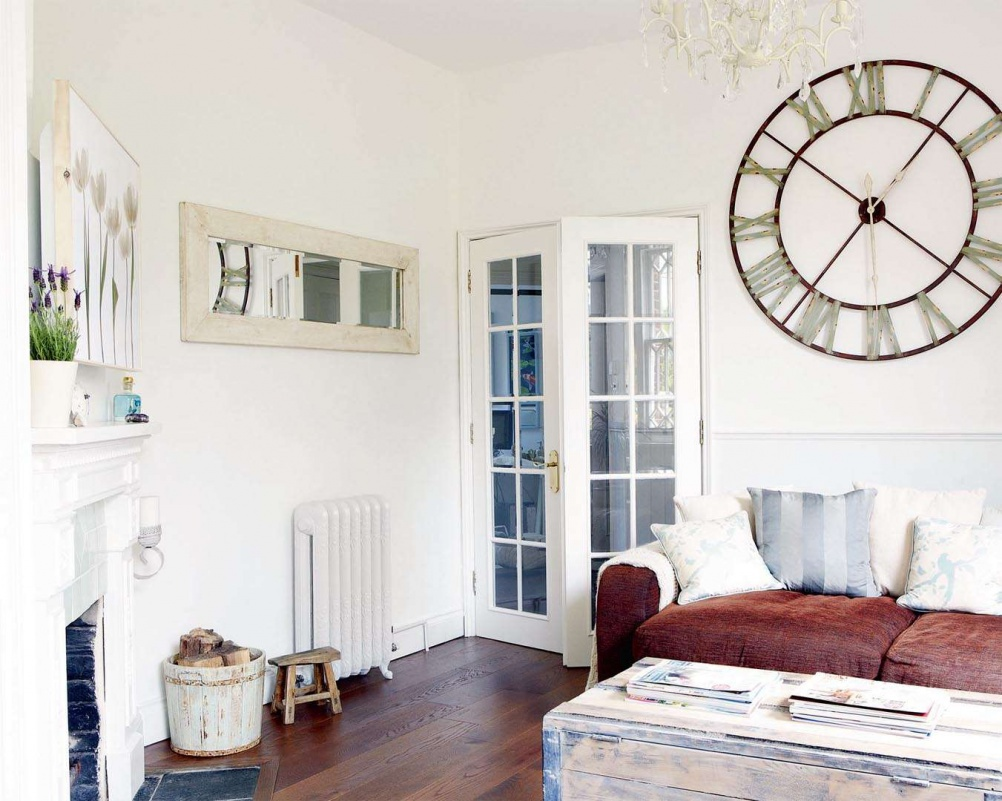 white-victorian-house-interior