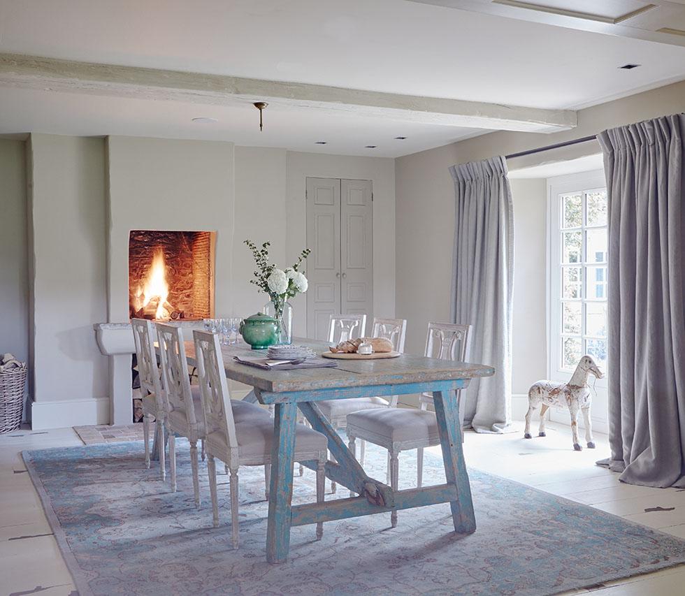 kemink-blue-traditional-dining-room