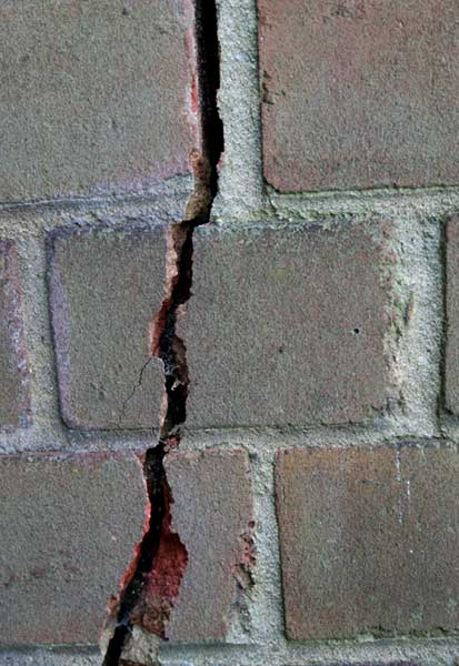 Crack in brick wall renovation