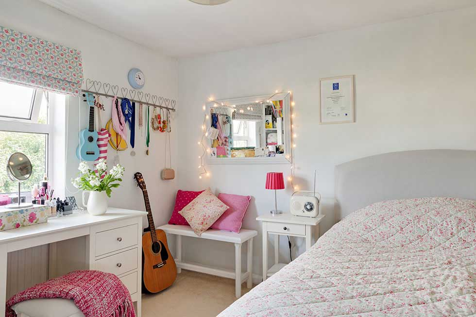 girls bedroom in a traditional cottage