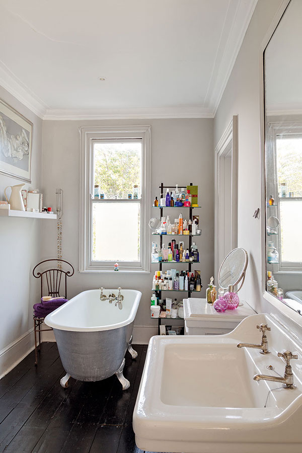 8 small but beautiful bathrooms period living for Beautiful bathrooms