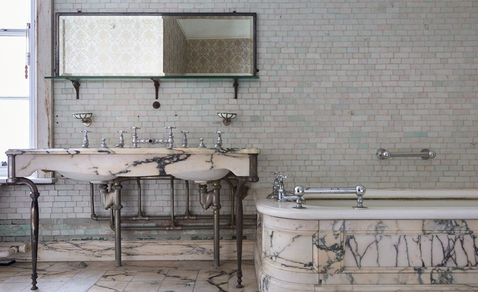 polesden lacey bathroom1