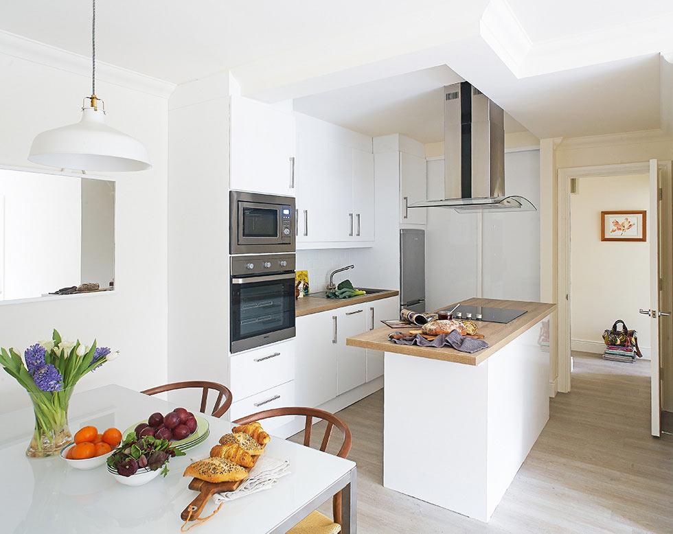 fabra-apartment-kitchen