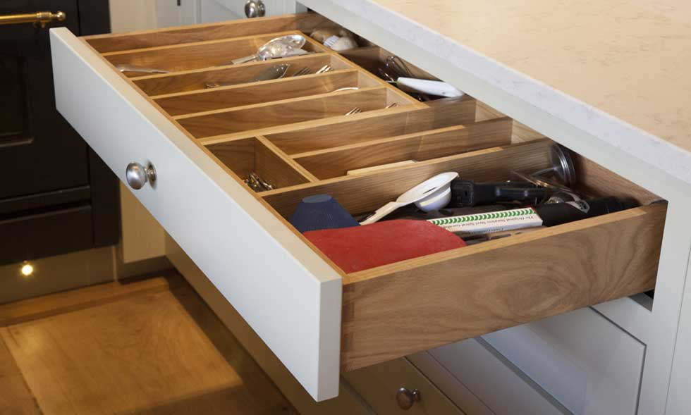 traditional-kitchen-drawer-organiser