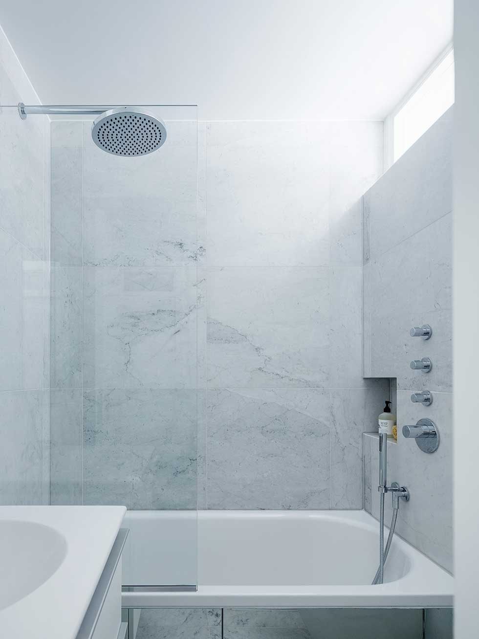 london flat small marble bathroom