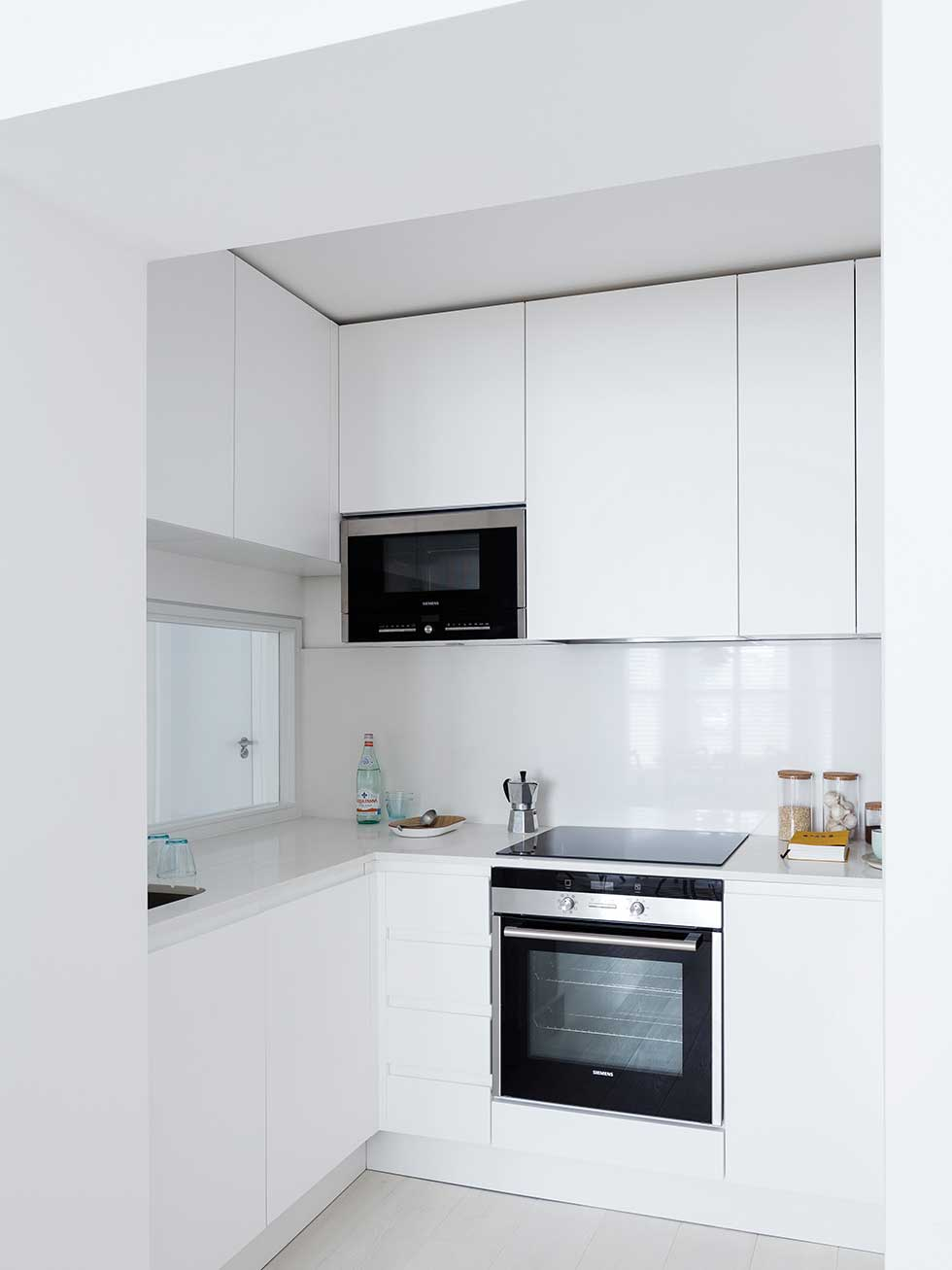 Maximising space in a small london flat real homes for Kitchen design london