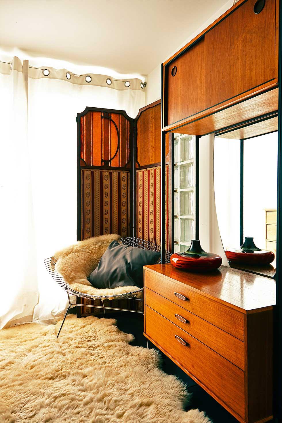 Duplex apartment mid-century dresser
