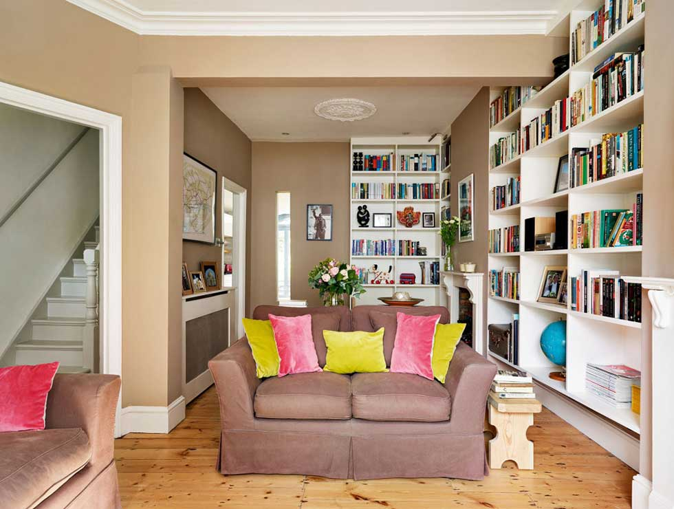 8 modern makeovers of victorian homes real homes for Small terraced house living room ideas