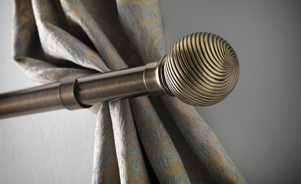 12-Swish-Elements-curtain-pole-by-Swish-with-Curzon-finial,-www.swish.co.uk-01543-271421