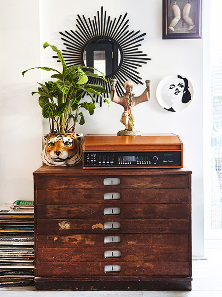vintage-finds-display