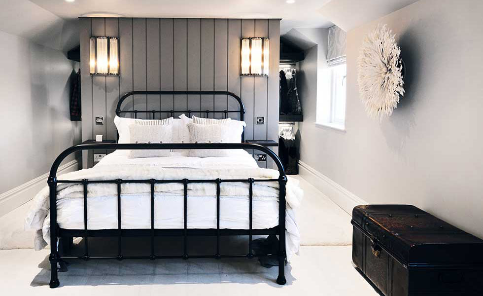 monochrome scandinavian style bedroom