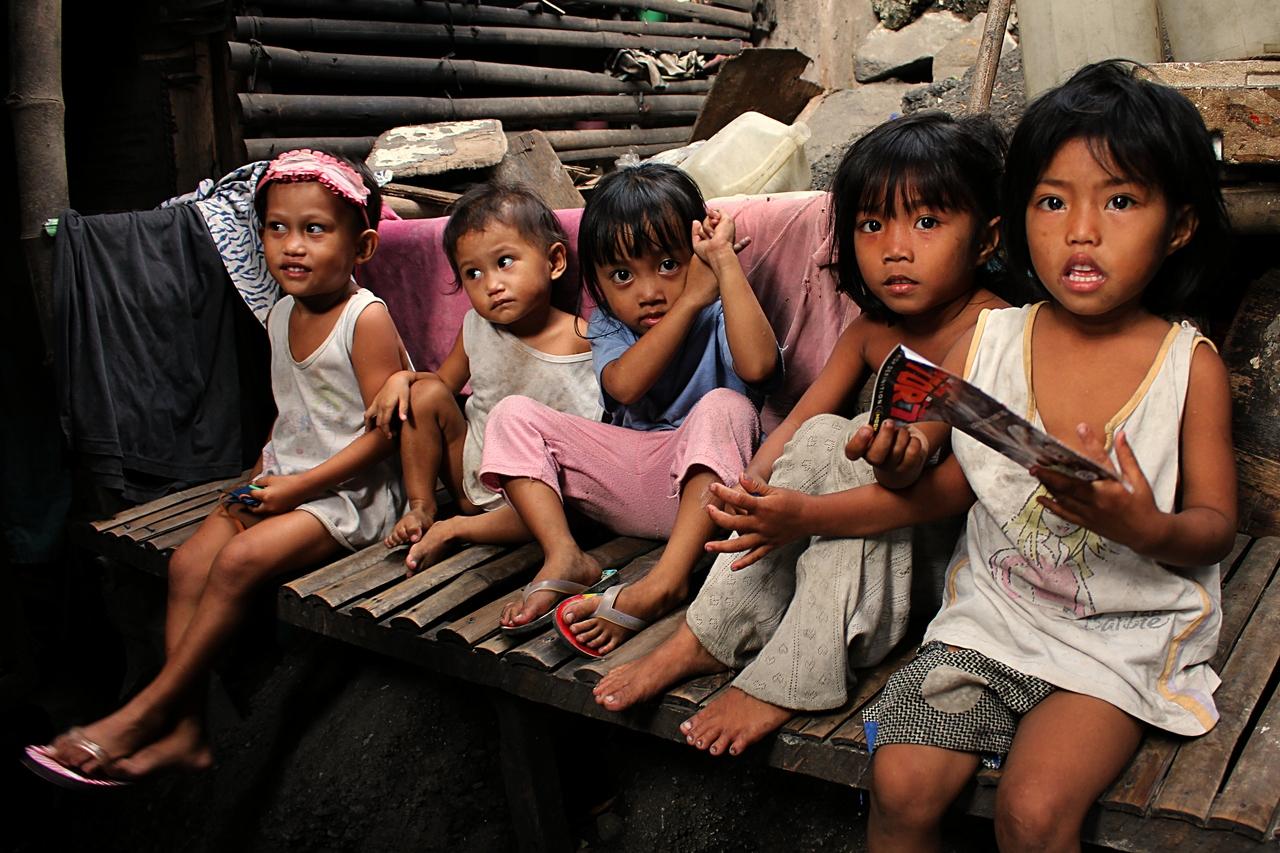 Děti z chýší pod mostem