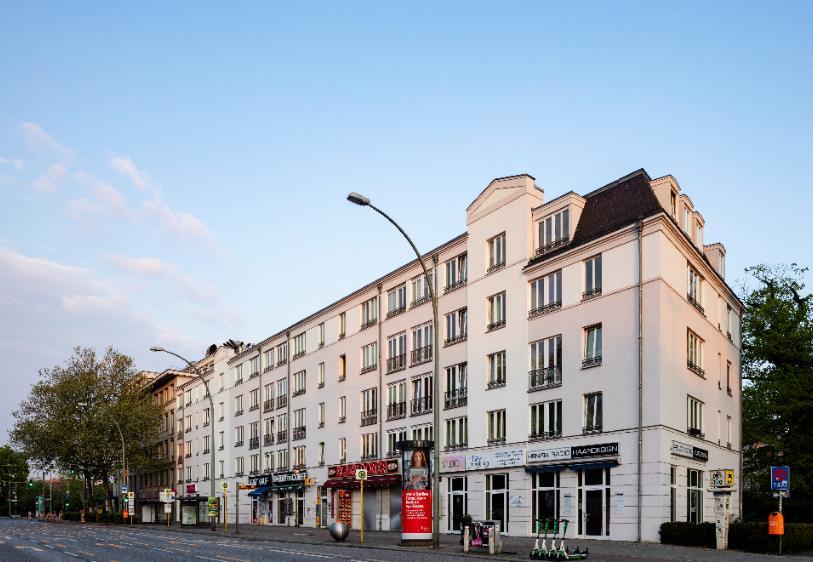 Sanierte 2-Zimmerwohnung zum Selbstbezug am Treptower Park – mit Wintergarten!