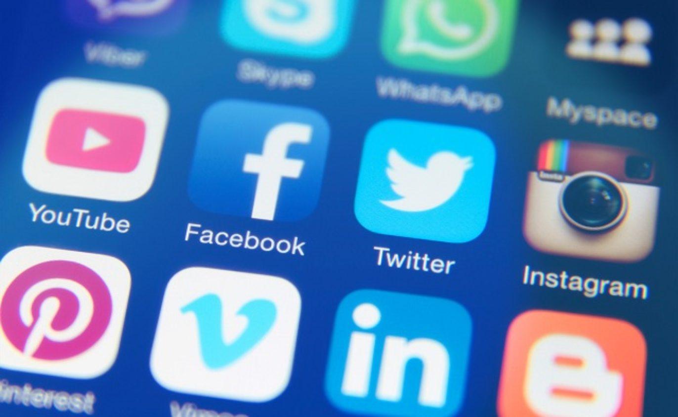 Zaměstnanci a firemní sociální sítě