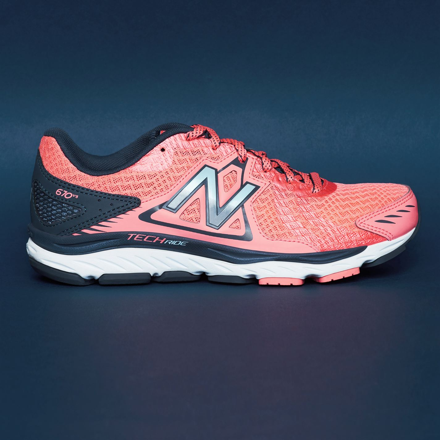 competitive price dda70 592f0 Tenisice New Balance 670 v5 Ladies Running Shoes Roze