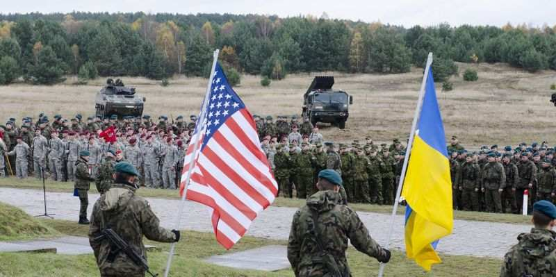Системы ПВО и летальное оружие: США заморозили отправку в Украину военной помощи на $100 миллионов