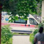 Только женился: в Одессе молодой парень разбился насмерть, упав из окна