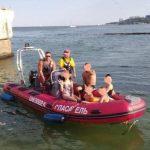 В Одессе трое детей чуть не утонули в море, катаясь на катамаране