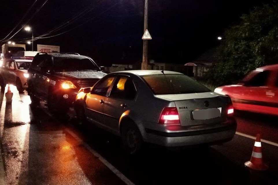 У Чернігові на Шевченка п'яний водій в'їхав у Lexus