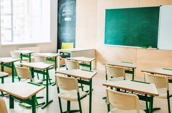 """""""Жовта"""" зона: які черкаські школи продовжать працювати у звичайному режимі (перелік)"""