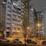 В Киеве 15-летняя девушка выпрыгнула из окна: подробности инцидента (фото)