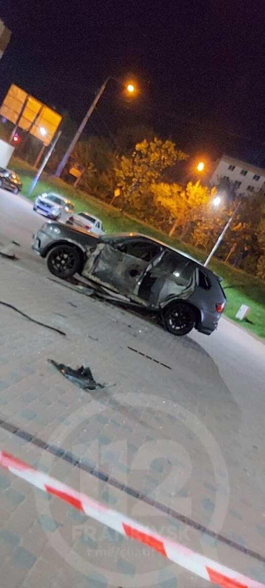 У Франківську на Пасічній підірвали автомобіль (ФОТО)