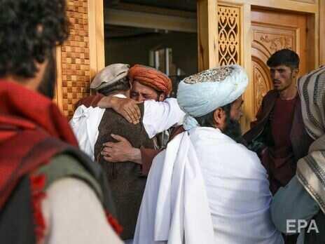 В результате взрыва в мечети Кабула погибло минимум 12 человек