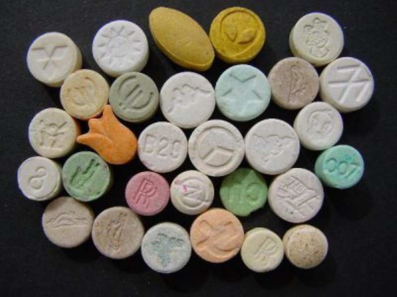 У Франківську впіймали наркоторговця, який продавав екстазі через соцмережі