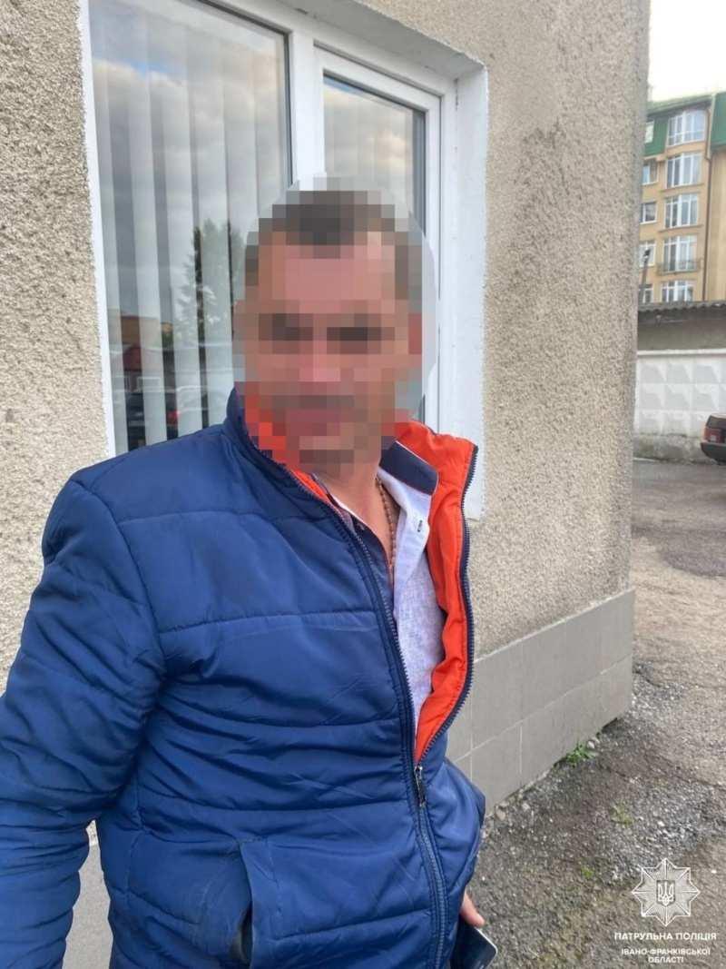У Франківську затримали чоловіка, який був у розшуку