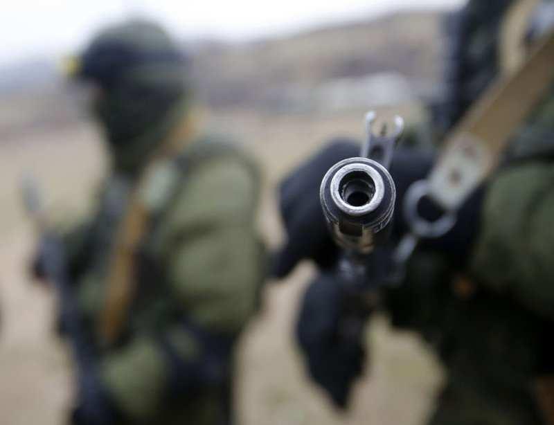 """Доба на Донбасі: штаб зафіксував чотири порушення """"тиші"""", один військовий поранений"""