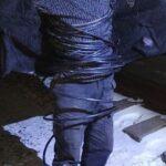50 метров. В Харькове поймали вора, обмотанного кабелем (фото)