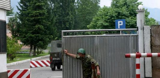 В оккупированный Крым перебрасывают войска с Северного Кавказа