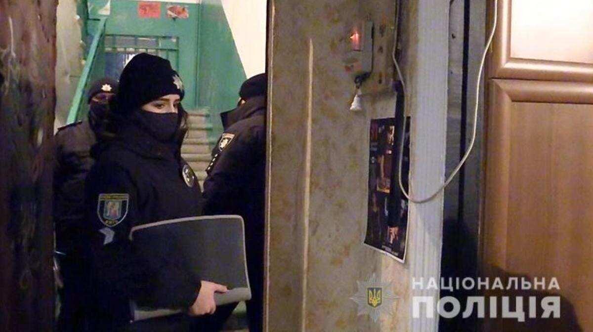 В Киеве мужчина задушил своего друга в его квартире и сбежал