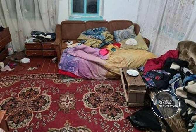 Двое детей, которых нашли мертвыми в сундуке, скончались от асфиксии [фото]