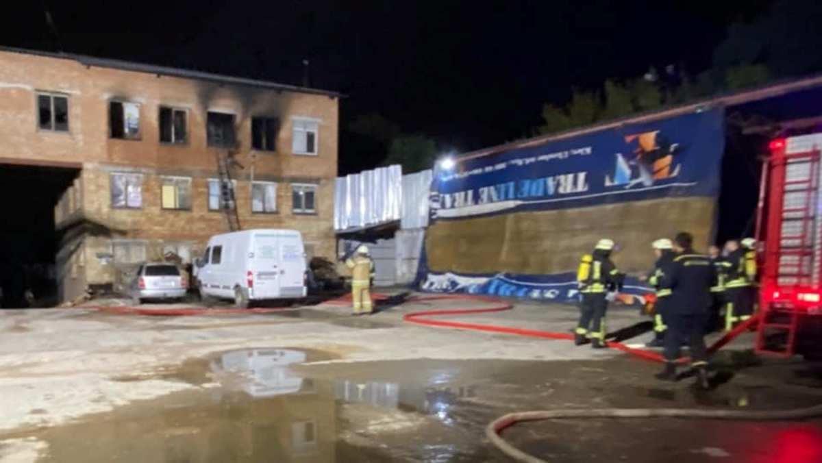 В Киеве в горящем хостеле погиб мужчина