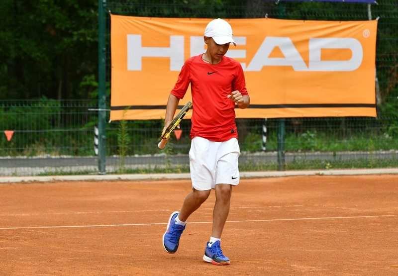 Хмельницький школяр став чемпіоном України з тенісу