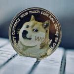 Dogecoin в США теперь можно купить в криптоматах