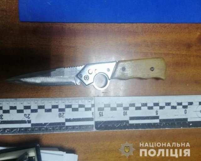 Новокаховские полицейские задержали мужчину за попытку убийства бывшего коллеги