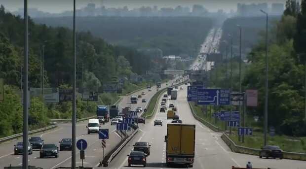 Украинцев предупредили о некачественном бензине - конец мотору: льют растворитель