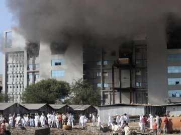 В Індії сталась пожежа в будівлі найбільшого у світі виробника вакцини від COVID-19