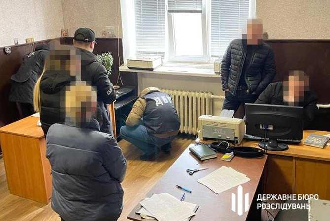"""На Днепропетровщине разоблачили банду полицейских, которые """"выбивали"""" с людей деньги [видео]"""