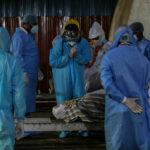 В Индии признали, что сбрасывали в реки тела погибших от СOVID-19