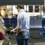 ОККО и WOG приостановили продажу топлива премиум-класса после введения Кабмином госрегулирования цен