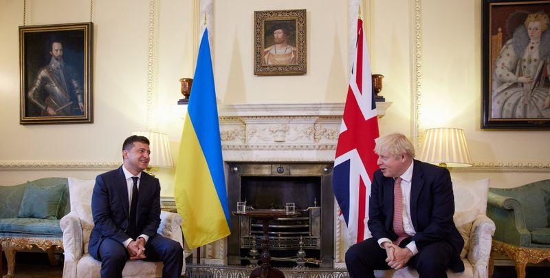 Зеленский накануне саммита НАТО поговорил с премьером Британии