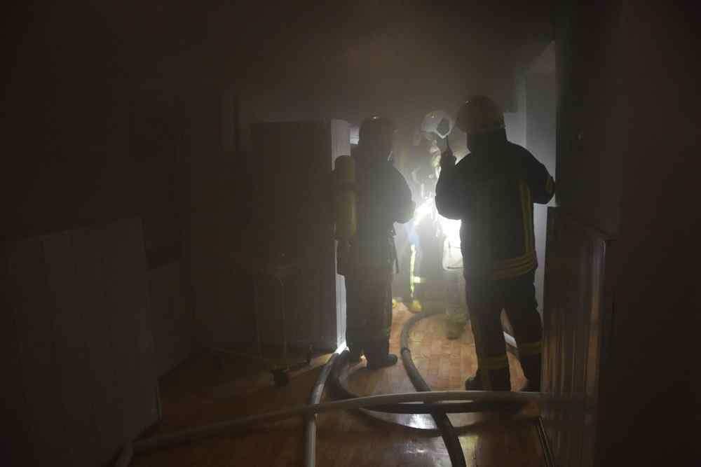 Ночью в Одессе произошел пожар в роддоме: эвакуировали 74 человека. Фото