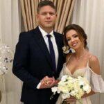 """Настя """"из Уханя"""" и глава Госмиграционной службы поженились: фото свадьбы"""