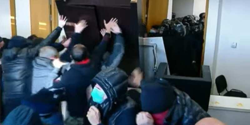 В Грузии задержали лидера партии Саакашвили: что вменяют оппозиционеру