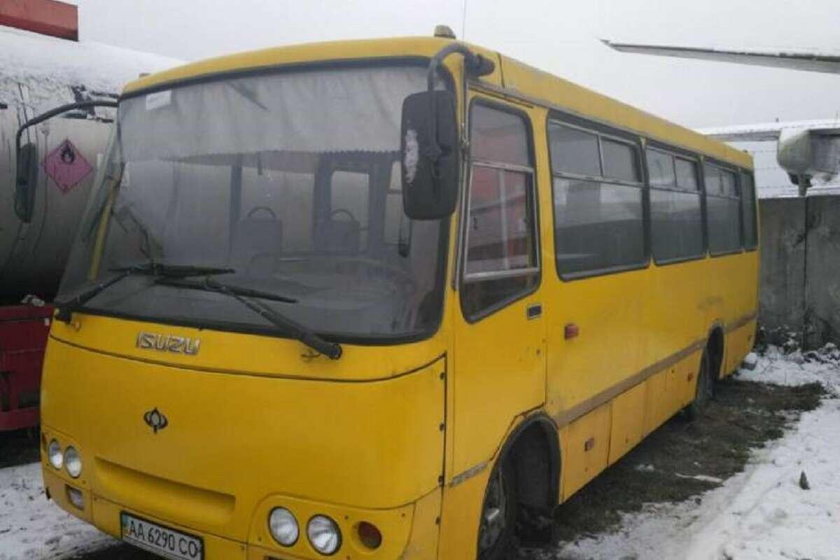 В Киеве пьяный маршрутчик ехал за пассажирами, но попался полиции