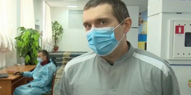 """""""Лучше предупредить, чем лечить"""": первый вакцинированный в Украине объяснил свое решение (видео)"""