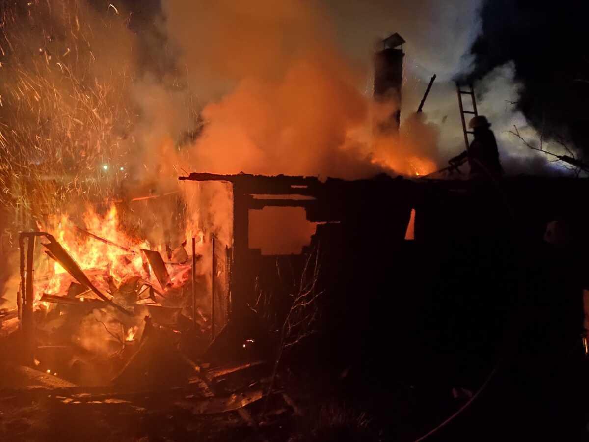 В Ужгороді сьогодні вогнеборці ліквідували дві пожежі в житловому секторі (ФОТО)